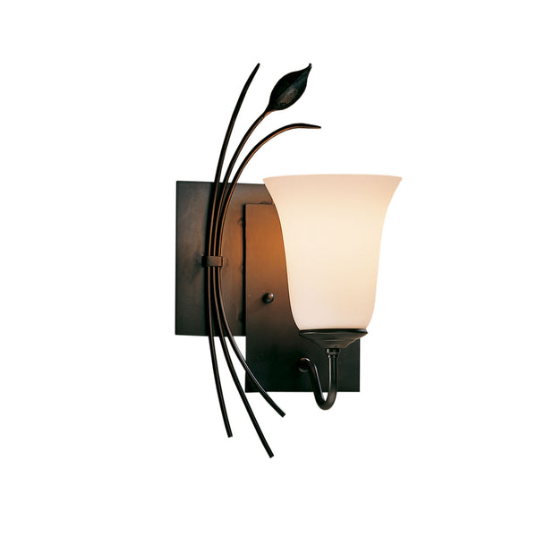 Hubbardton Forge 205122-1006 Wall Light Forged Leaf Sconce in Dark Smoke