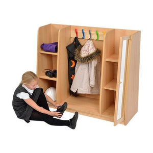 Dress-up Hub in use with shoes