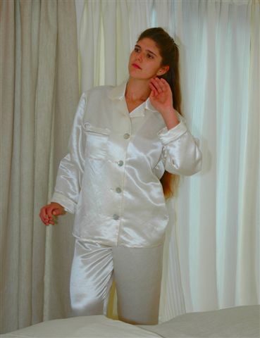 GreenSage® Hemp Silk Womens Pajamas with Large buttons - SAMPLE SALE - Size Medium