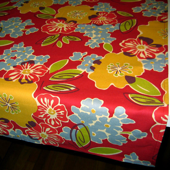 Red Mod Floral Tablecloths by GreenSage®