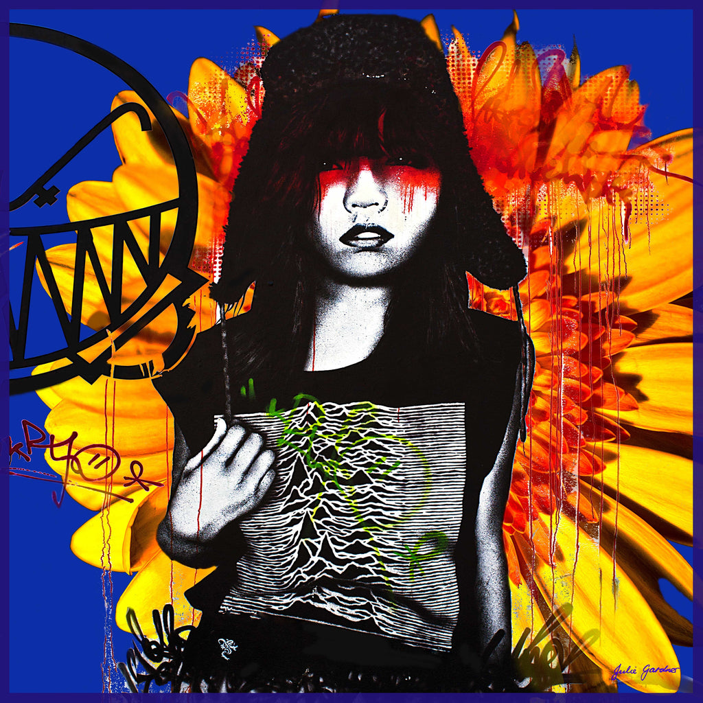 Graffiti Girl – Satin Silk