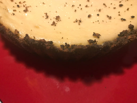Cheesecake-Tart-with-oreo-vanilla-crustless-sides