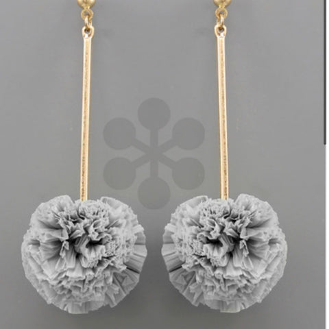 Raffia Ball & Bar Earrings: Gray