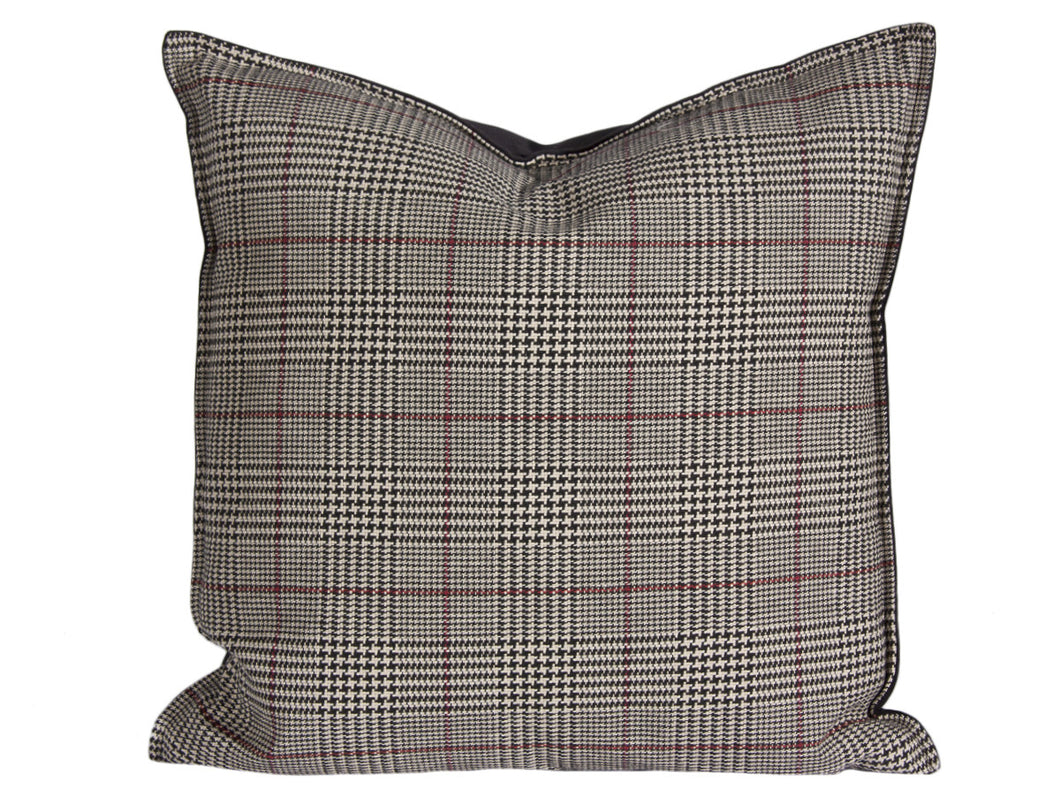 Country Style City Chic Cotswold Black Sofisticated Houndstooth Plaid Pattern Pillow 20