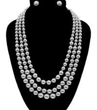 Pearl Layered Necklace Set