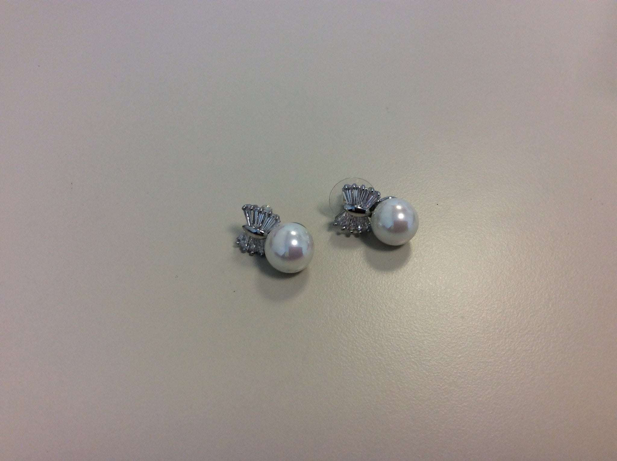 Faux Pearl Studs with Rhinestone Bow
