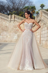 White Stretch Lace Bridal Gown with Detachable Train