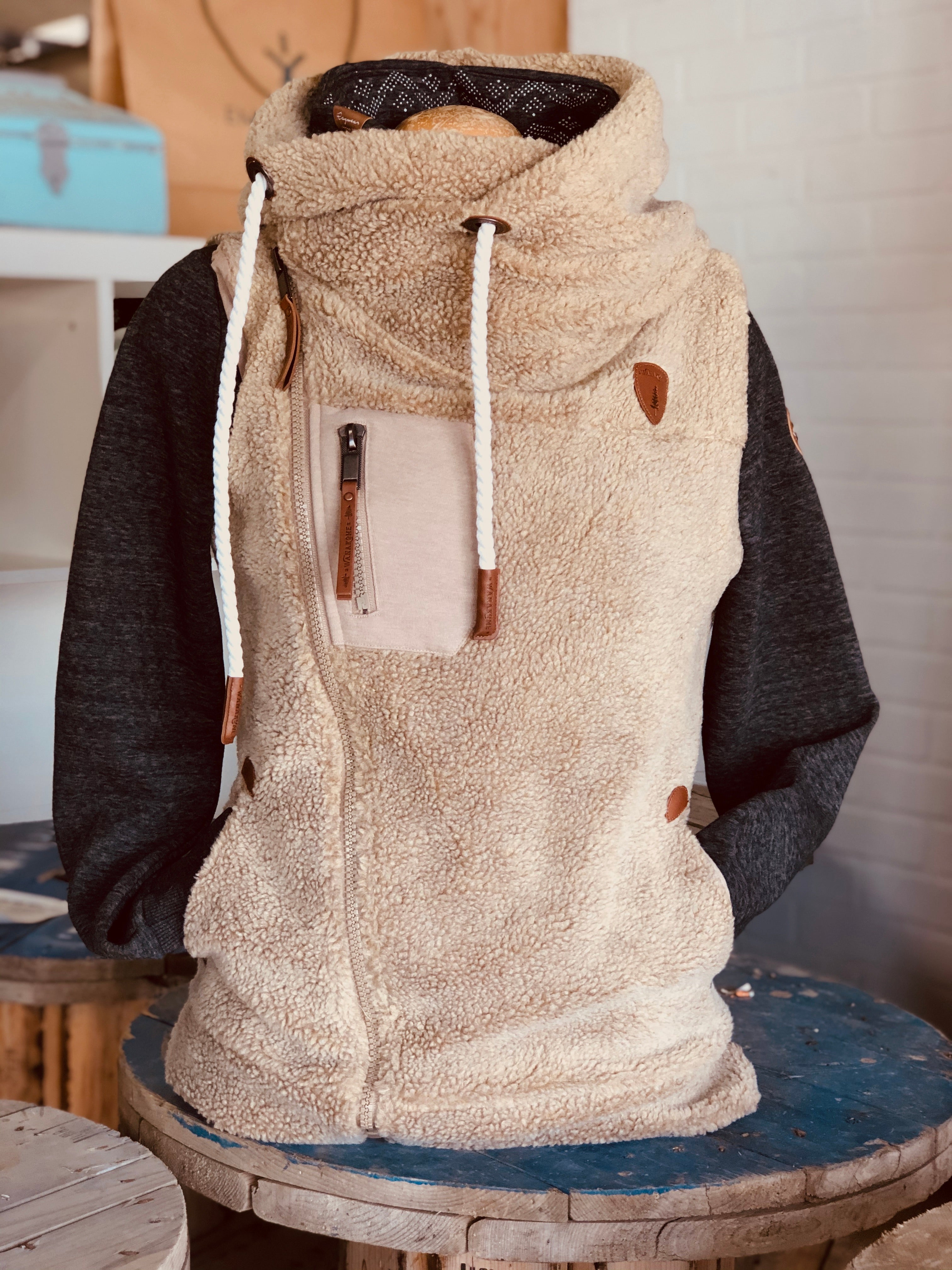 SHERPA HOODED COWL NECK VEST