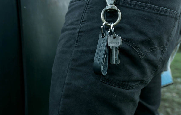 Key ring with bottle opener (black)