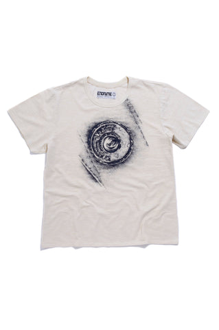 M5011GH01PID White -Graphic button tee