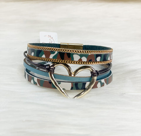 Camo Layered Magnetic Bracelet w/Heart