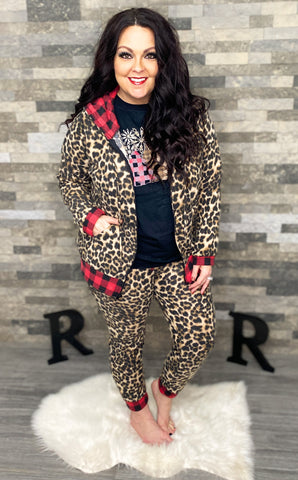Leopard Joggers w/Buffalo Plaid Trim (S-3X)