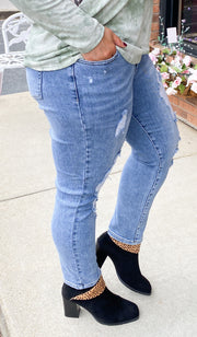 Destroyed Relaxed Skinny Jeans