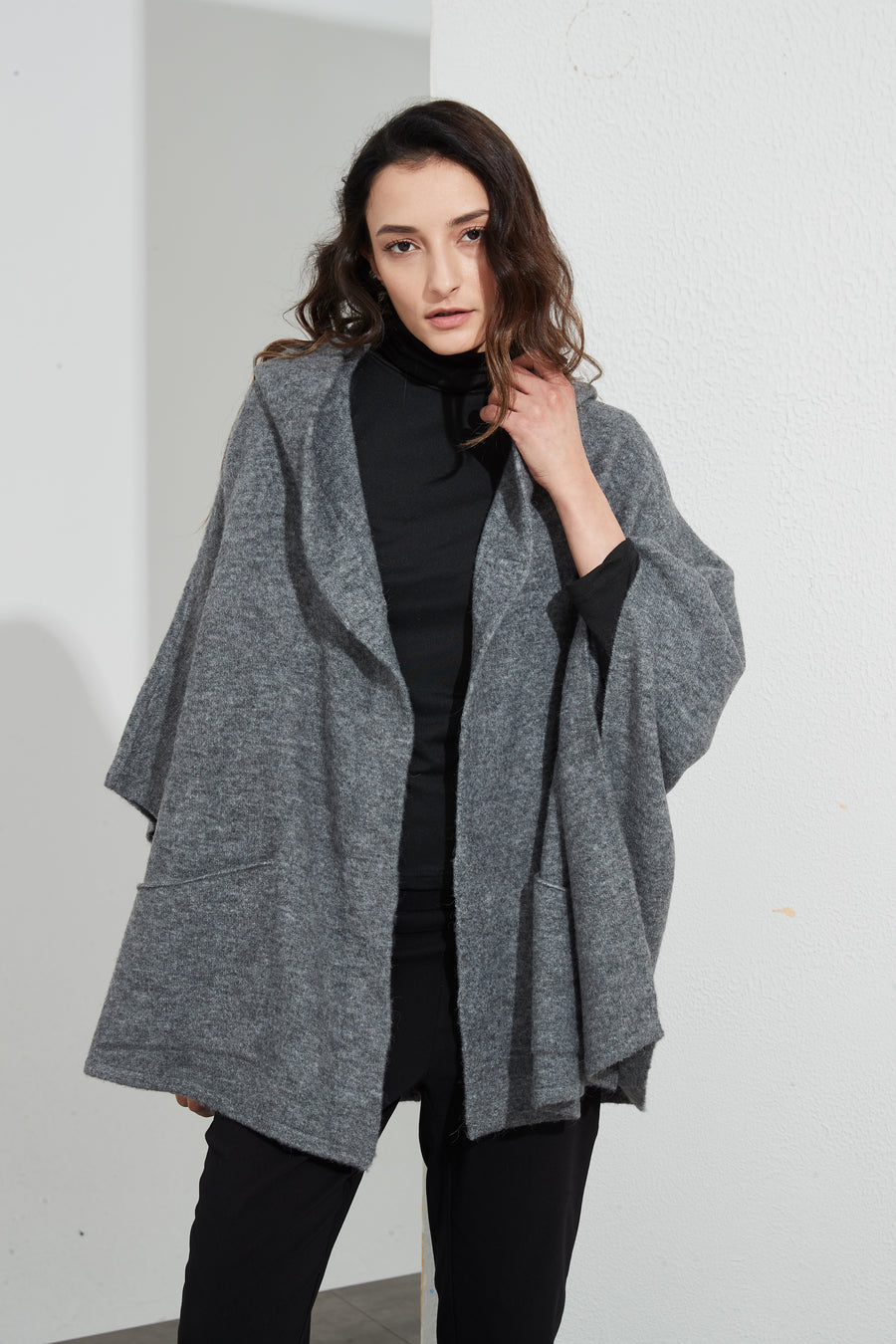 MAGNETIC CLOSURE CARDIGAN