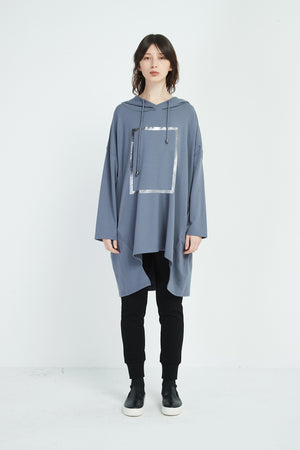 SQUARE PRINT HOOD TOP LONG