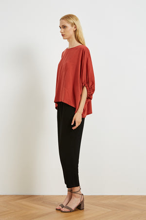 ELASTIC SLEEVE TOP