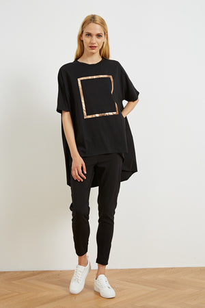 FOIL PRINT CURVED HEM TOP