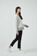 18K80144 CONTRAST HEM V NECK JUMPER (more colours available)