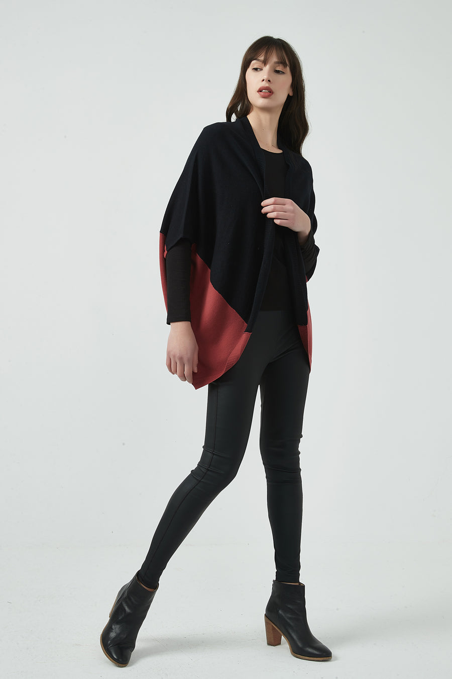 CONTRAST CAPE KNIT