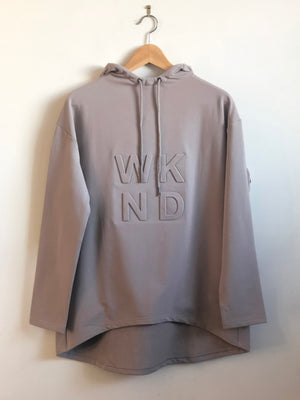 EMBOSSED HOODED SWEAT