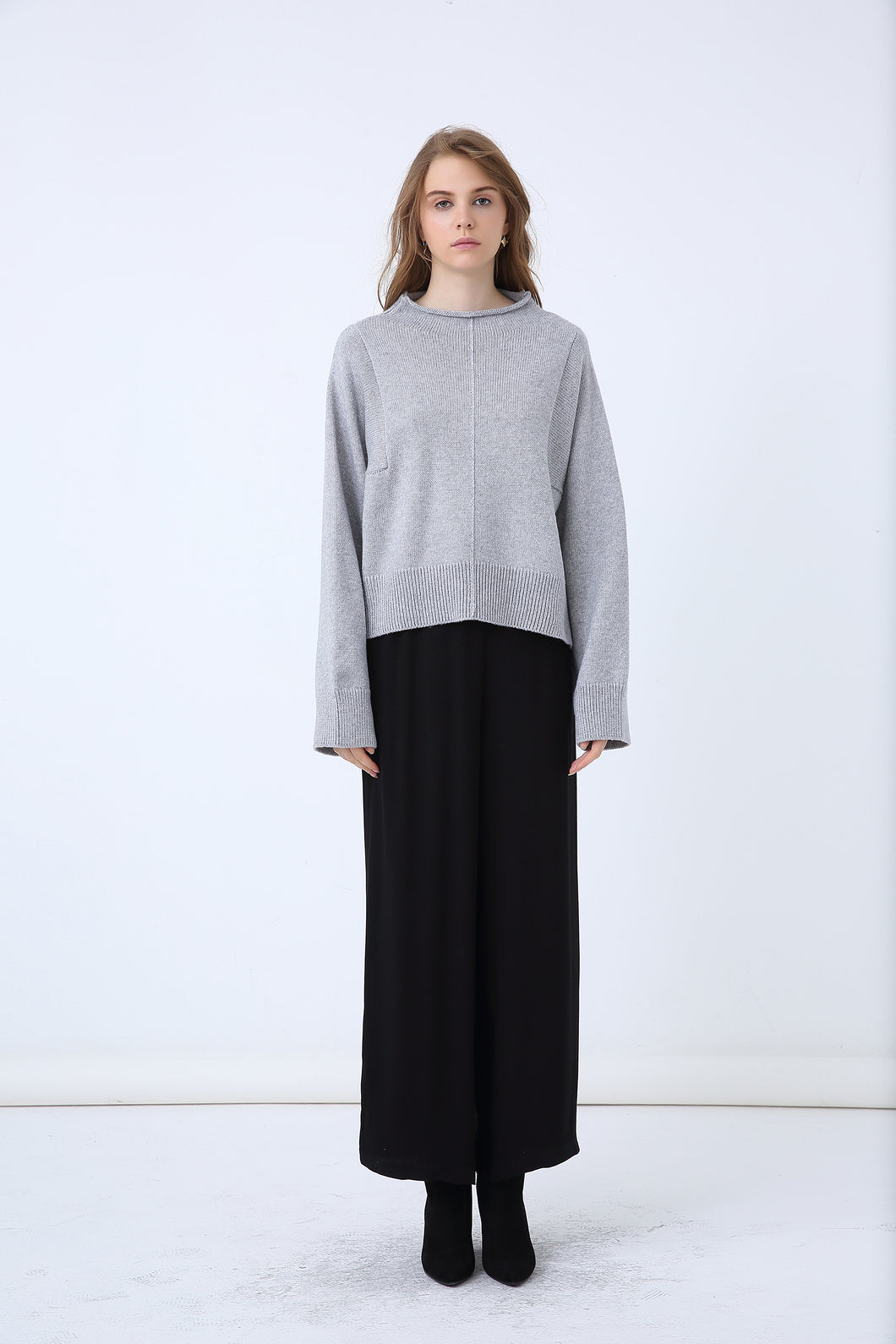 79d5b4a1 18K80123 RELAXED HIGH NECK SWEATER (more colours available) – TIRELLI