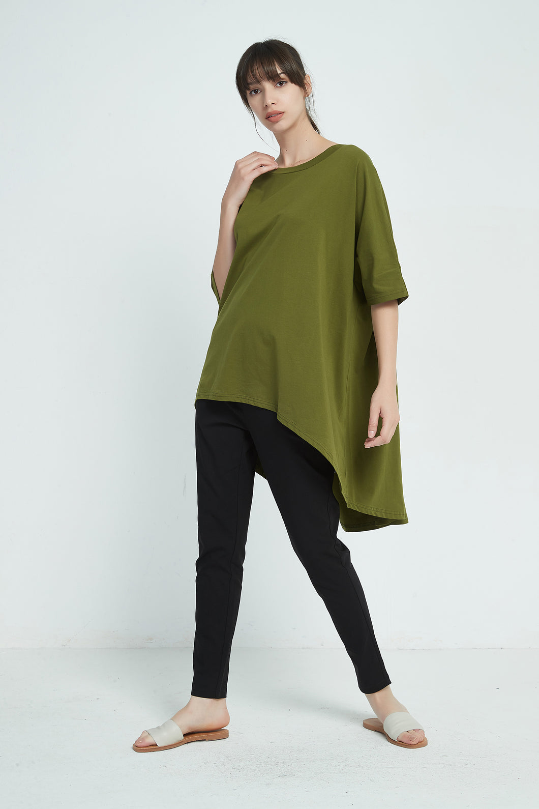 19A9005 LIGHT WEIGHT CURVED HEM TOP (more colours available)
