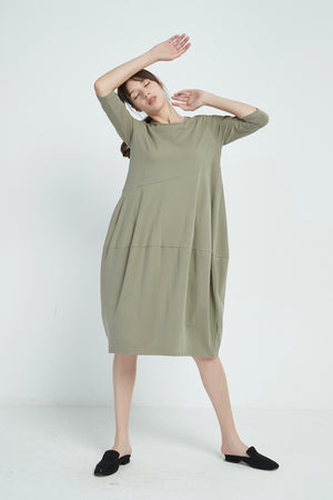 3/4 SLEEVE DIAGONAL SEAM DRESS