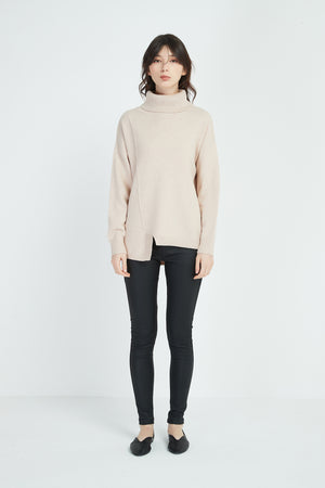 ASYMMETRIC KNIT
