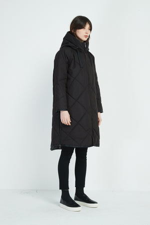 DRAWSTRING QUILTED COAT