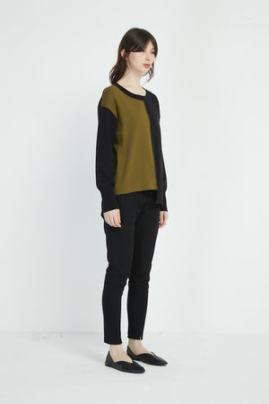 ROUNDED NECK BLOCK KNIT