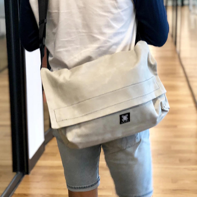 Messenger Bag - Light Grey - WEMUG