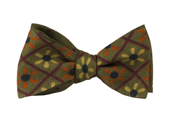 PROPELLER PRINTED WOOL AND SILK BUTTERFLY BOW TIE