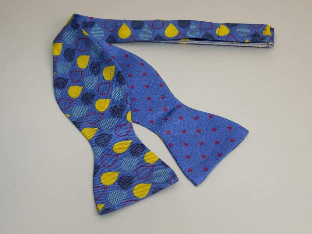 DROPS PRINTED SILK BUTTERFLY BOW TIE
