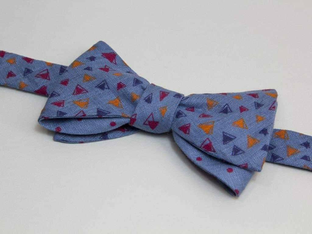 TRIANGLES PRINTED LINEN BUTTERFLY BOW TIE
