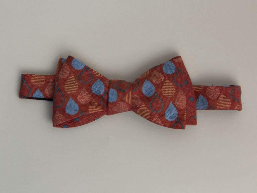 DROPS PRINTED LINEN BUTTERFLY BOW TIE