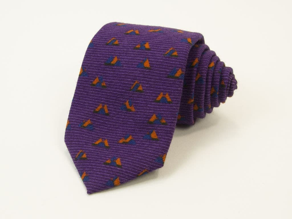 PEAKS PRINTED WOOL AND SILK TIE