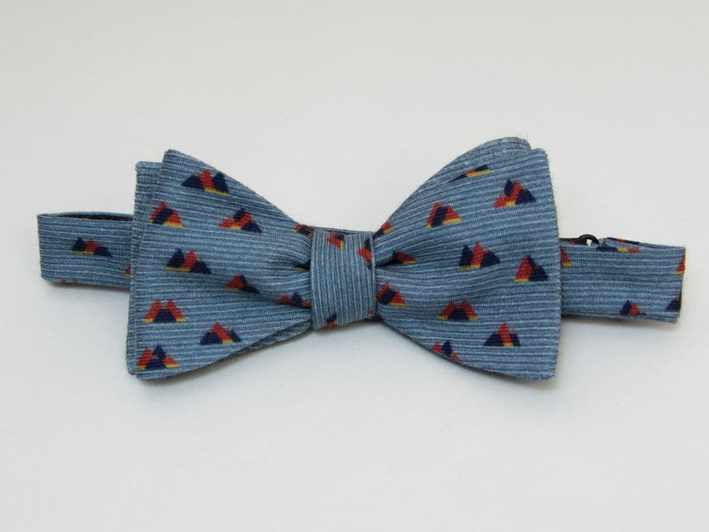 PEAKS PRINTED WOOL AND SILK BUTTERFLY BOW TIE