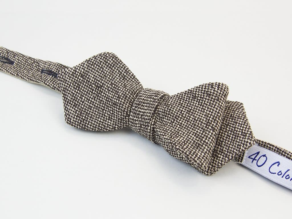 DOTTED LINEN SPENCER BOW TIE