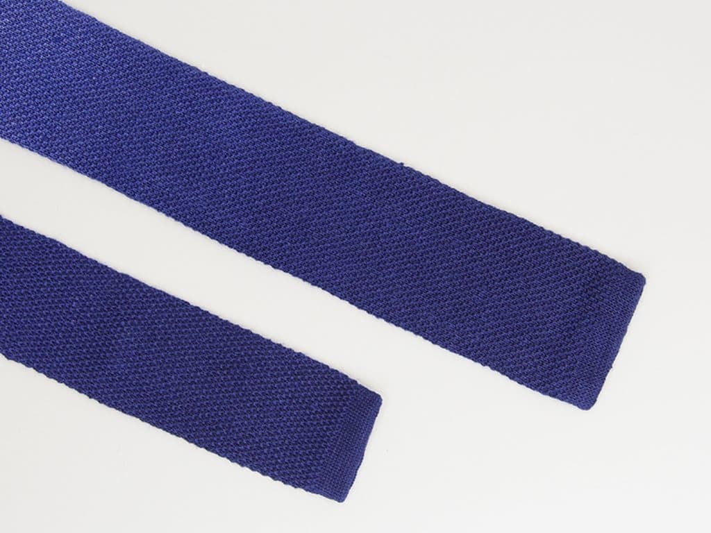 DYED KNITTED TIE
