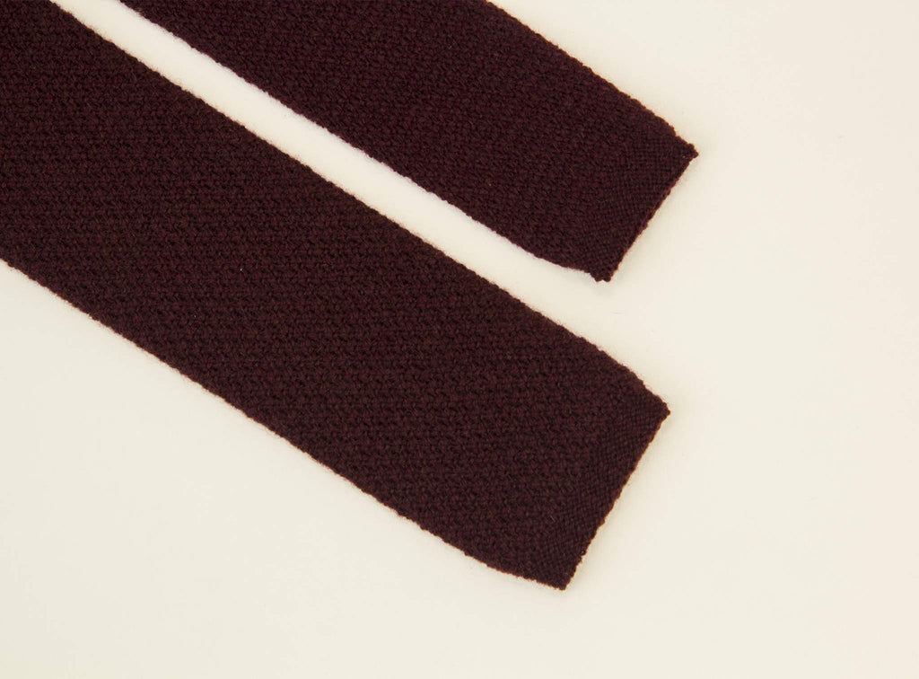SOLID CASHMERE KNITTED TIE