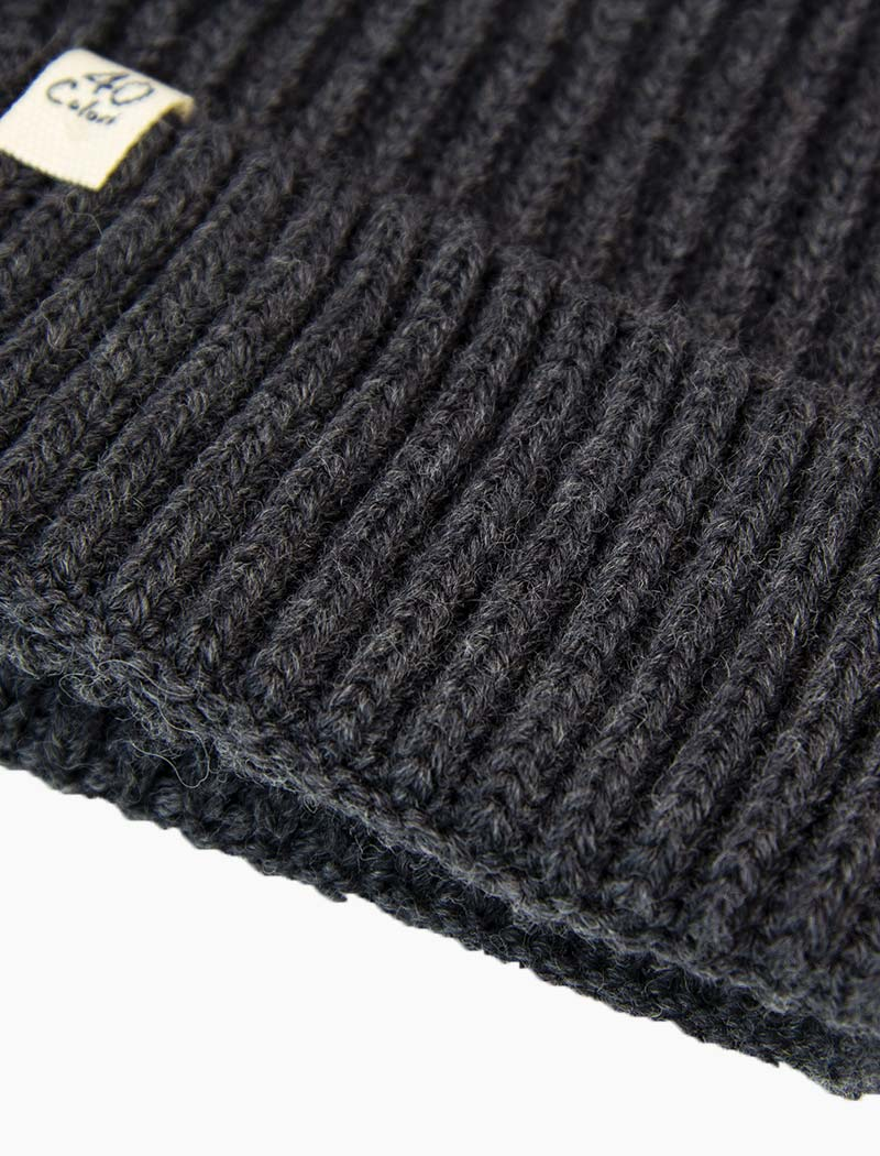 Charcoal Small Ribbed 100% Merino Wool Beanie | 40 Colori
