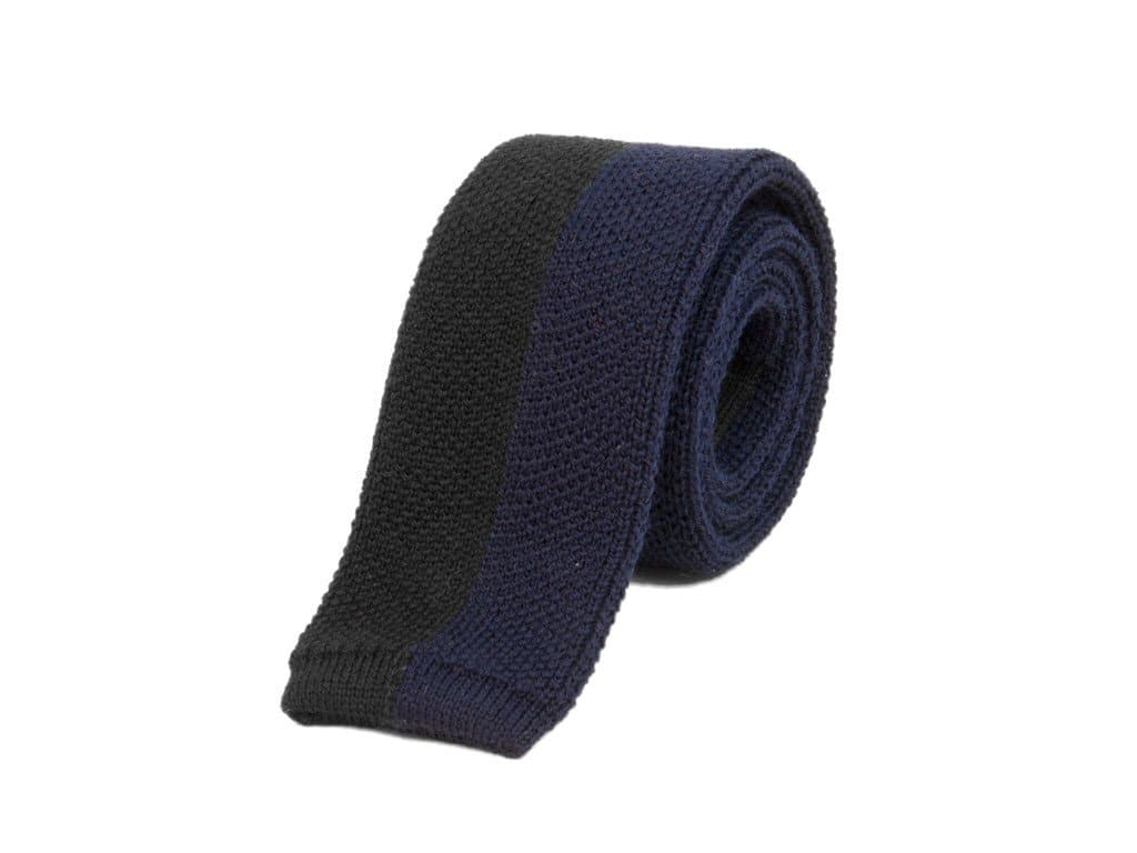 VERTICALLY STRIPED WOOL KNITTED TIE