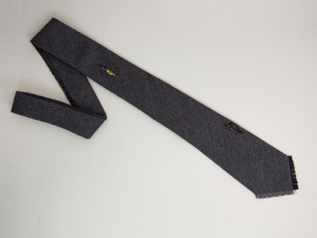 RIPPED FRINGED WOOL TIE