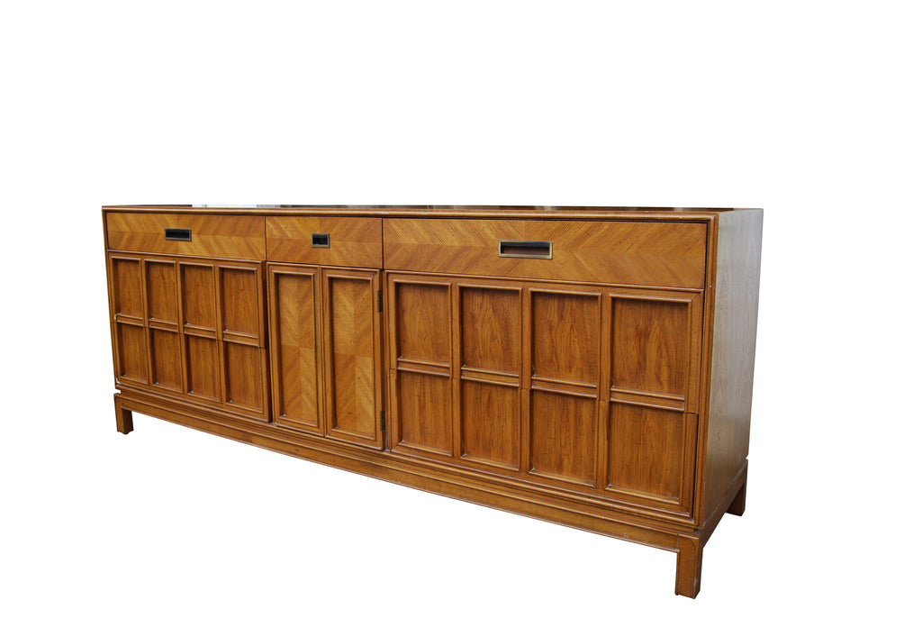 Thomasville Furniture Chinoiserie Dresser