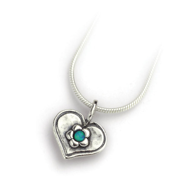 Little heart necklace with opal daisy
