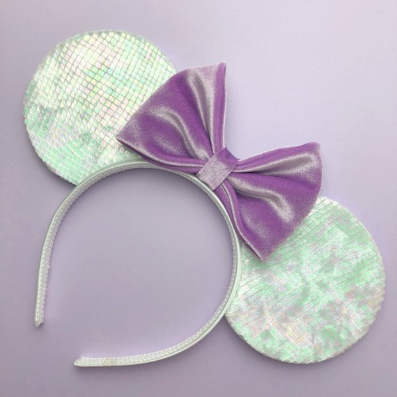 Holographic Scale Mouse Ears