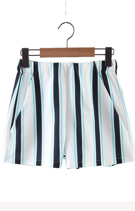 Trendy-Road-Style-Shop-Online-Woman-Fashion-Street-shorts-striped-navy-blue-white-elastic-waist