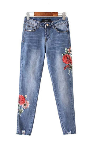Trendy-Road-Style-Shop-Online-Woman-Fashion-Street-pants-denim-jeans-flower-pattern-holes-cute