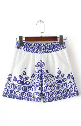 Trendy-Road-Style-Shop-Online-Woman-Fashion-Street-shorts-elastic-waist-pockets-porcelain-pattern-blue-white