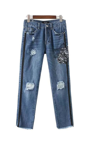 Trendy-Road-Style-Shop-Online-Woman-jeans-denim-embroidered-floral-rivet